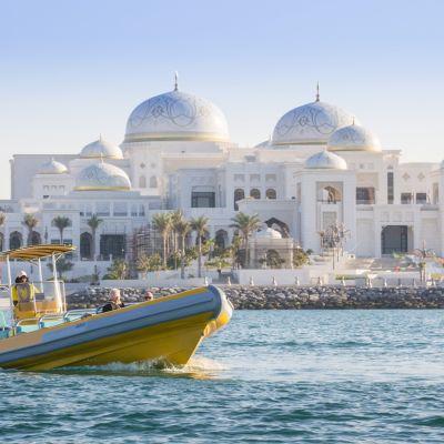 Abu Dhabi Boat Trip tickets (Abu Dhabi) - GuideandGo